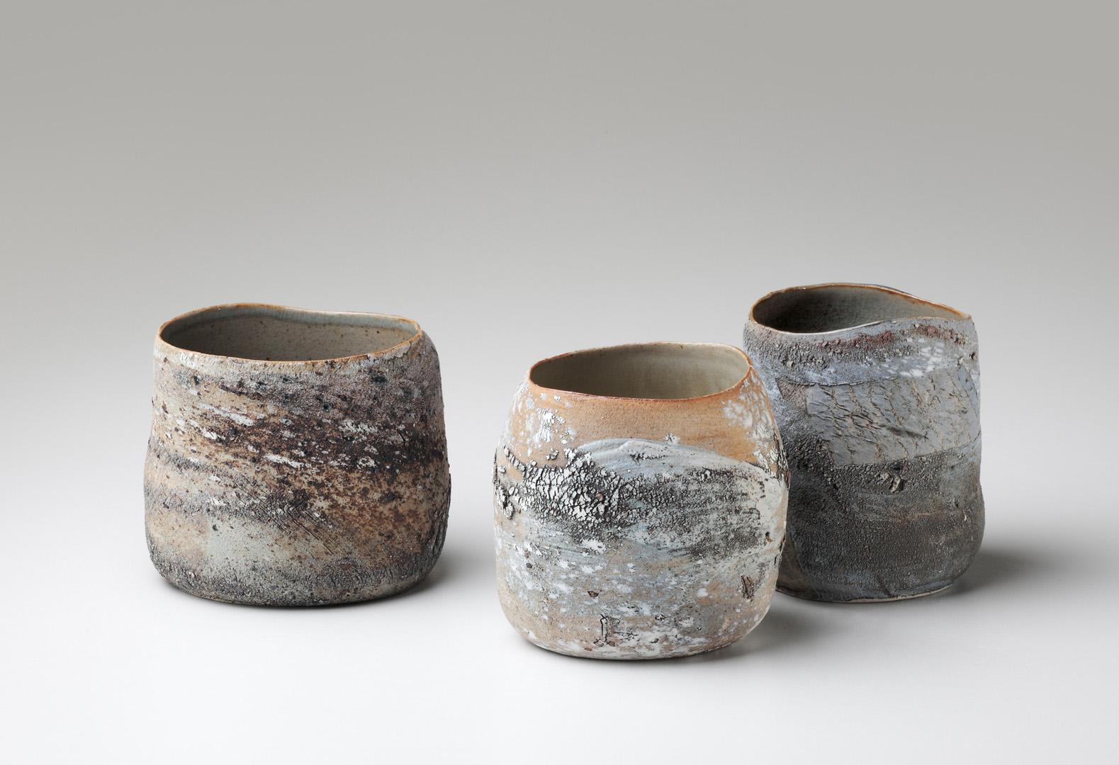 3 Steinzeuggefäße, gedreht, innen glasiert, bei 1300° C reduzierend gebrannt, 2008; Höhe 9-11 cm, Durchmesser 9-12 cm